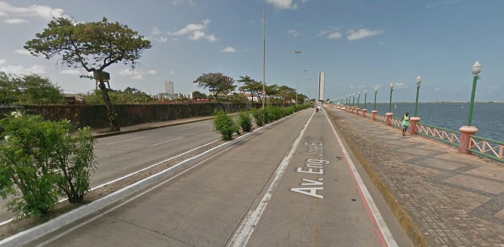 Avenida Engenheiro José Estelita é uma das vias interditadas para a realização do Circuito das Estações Caixa - Verão (Foto: Reprodução/Google Maps)