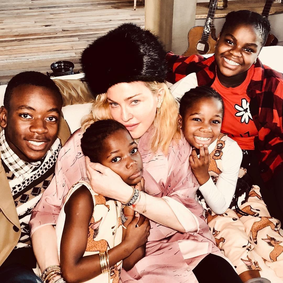 Madonna e filhos (Foto: Reprodução Instagram)