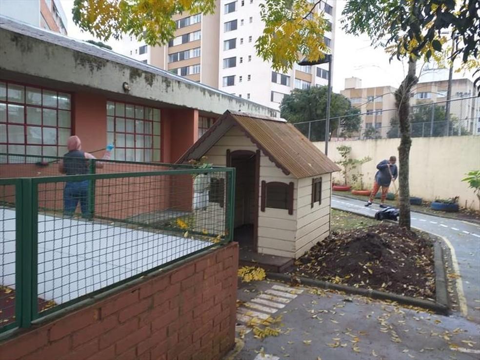 Prefeitura de Curitiba faz sanitizações nas escolas antes do retorno híbrido — Foto: Divulgação/Prefeitura de Curitiba