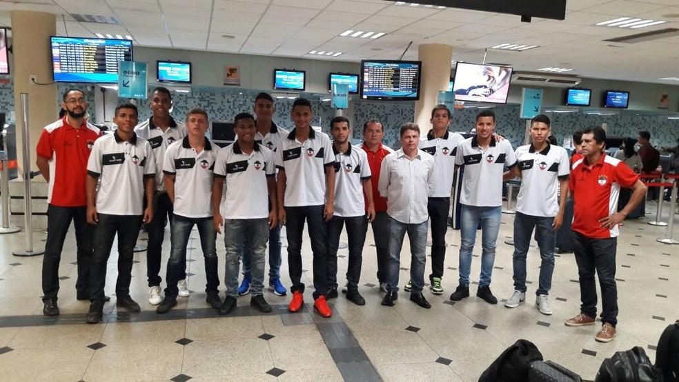 Delegação tricolor embarca a Bolívia para torneio internacional (Foto: Divulgação/RiverAC)