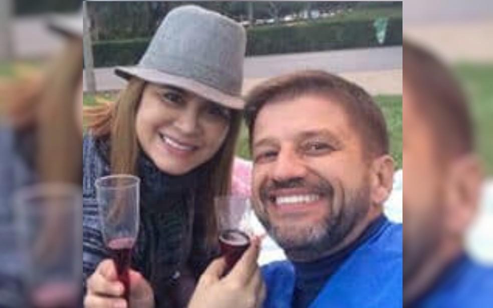 Coronel da reserva João Dias Milhomens Júnior e a esposa Tereza de Mesquita Milhomens — Foto: Reprodução/Facebook