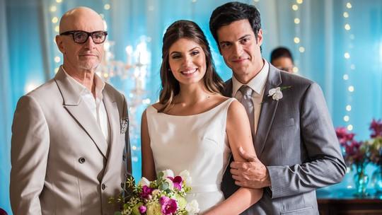 Camila Queiroz comenta terceiro casamento na TV: 'Acho que nasci pra isso'
