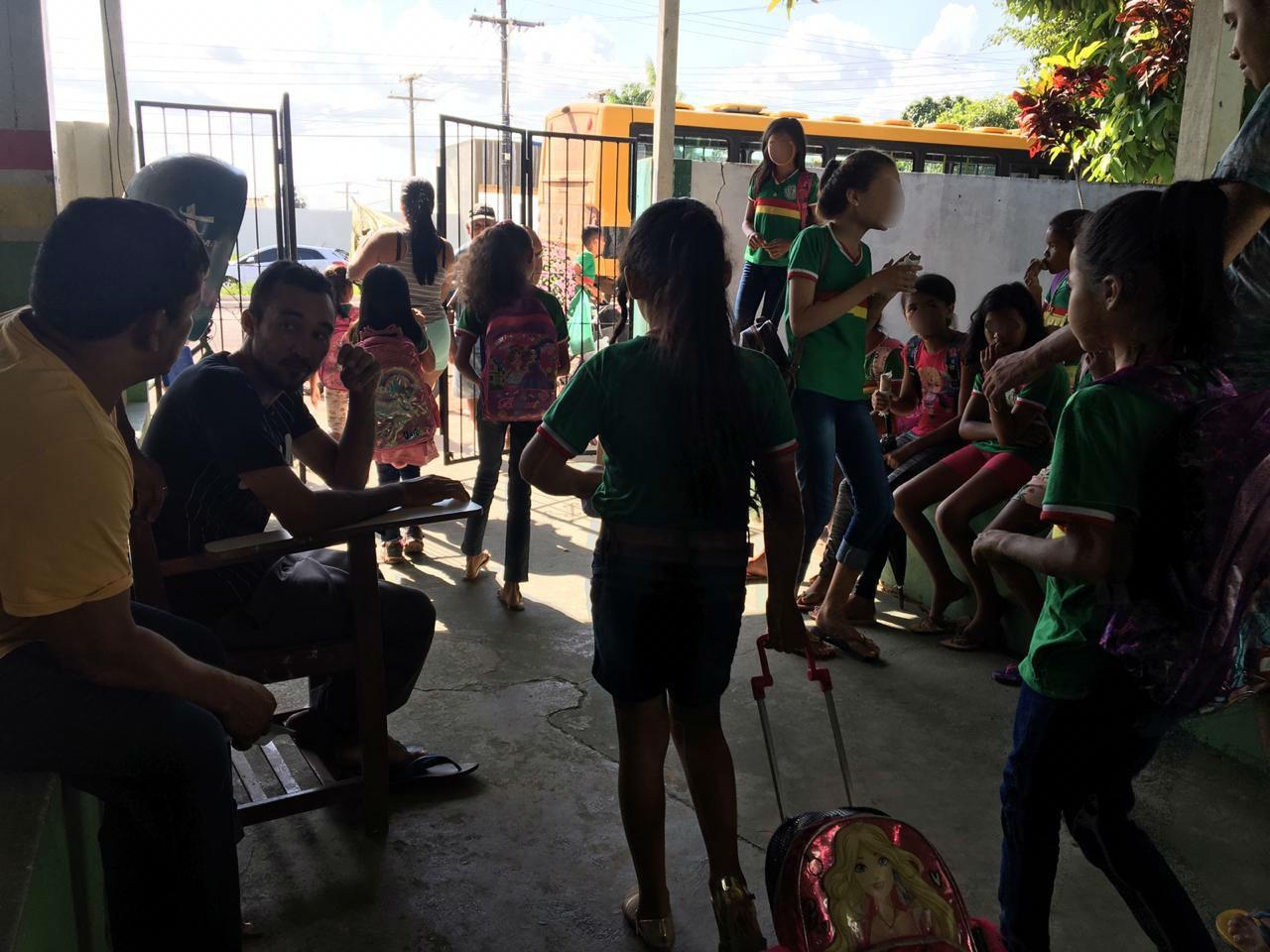 Escola libera alunos 2 horas mais cedo no AP devido calor causado por quedas constantes de energia - Notícias - Plantão Diário