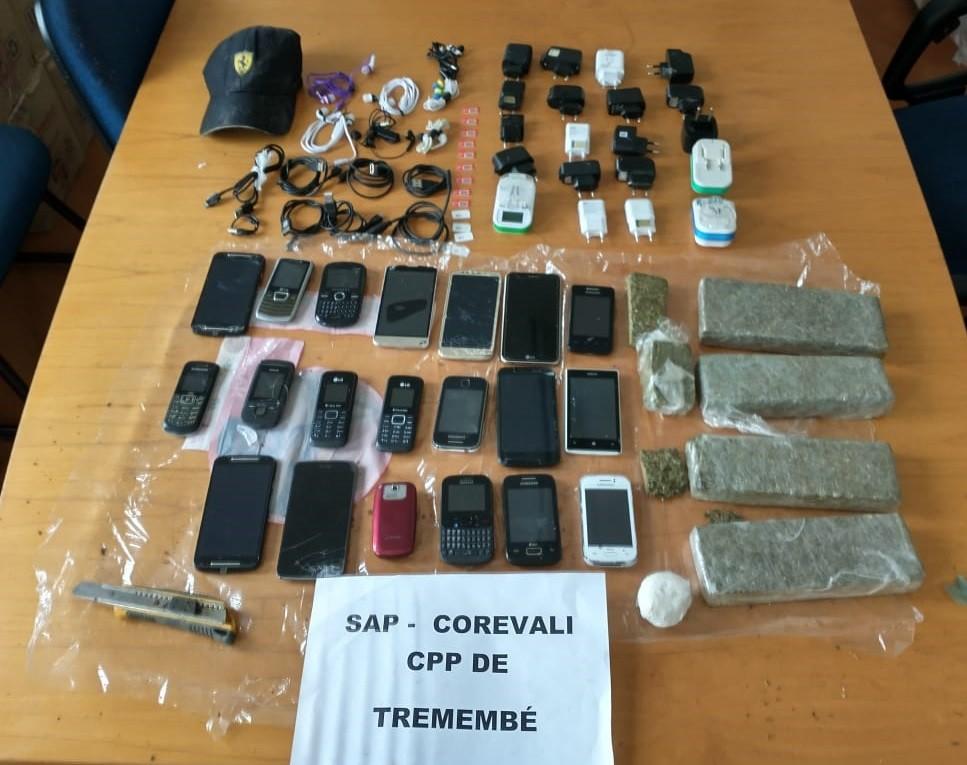 Agentes penitenciários apreendem 2,2 kg de droga no Pemano em Tremembé