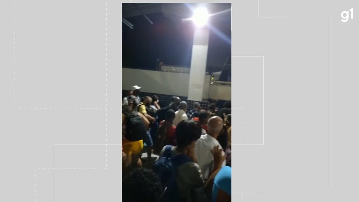 Motoristas enfrentam espera de até 3h para embarcar no ferry boat em Salvador