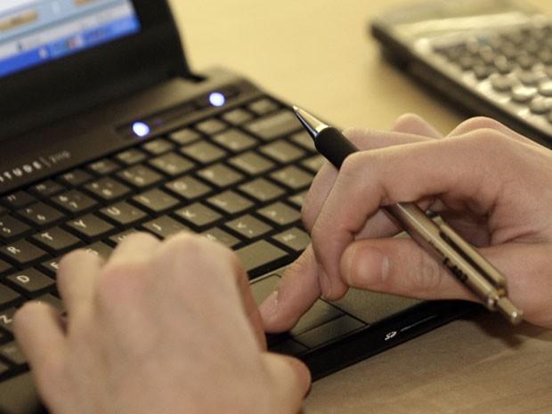 internet, facebook, laptop, notebook, redes sociais, twitter, teclado (Foto: Jay LaPrete/AP)