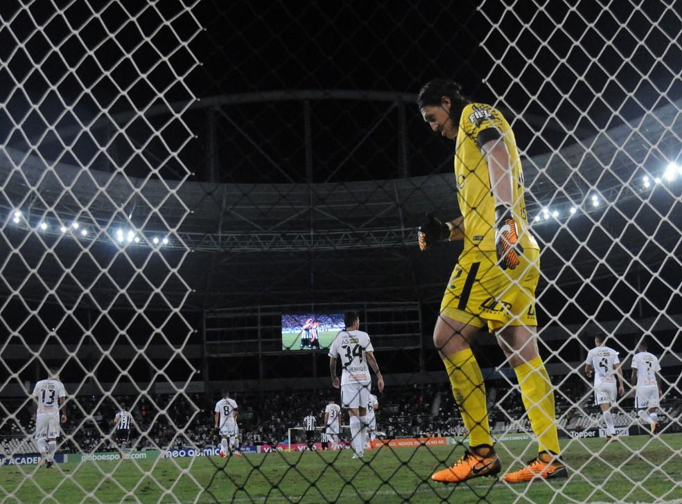 Mesmo com a derrota, o Corinthians segue favorito na disputa pelo título (Foto: André Durão)