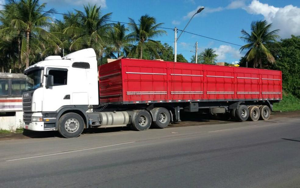 Apreensão ocorreu na BR-110, em Ribeira do Pombal (Foto: Divulgação/PRF)