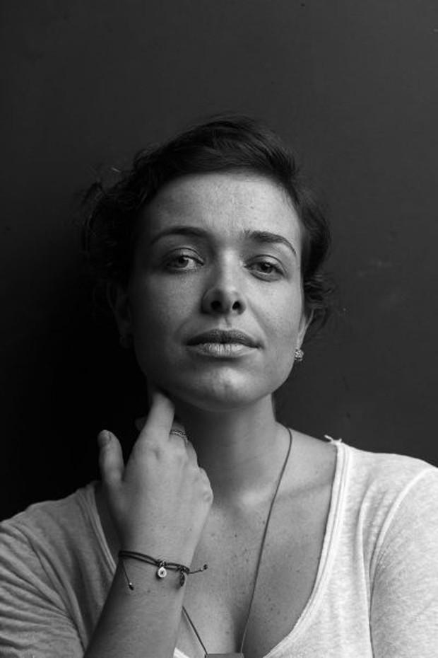 """A fotógrafa mineira Maria Ribeiro: """"Essa questão ficou forte pra mim quando trabalhei com publicidade. Ali vi como a mídia nos influencia a ir atrás de um corpo que não existe"""" (Foto: Hysteria)"""