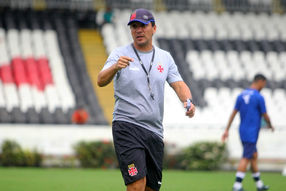 Zé Ricardo tem comandado atividades táticas no Vasco antes da Libertadores (Foto: Paulo Fernandes / Vasco)