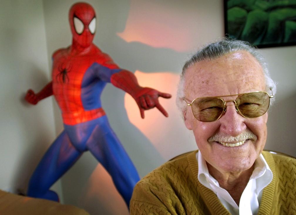 Stan Lee em foto de 2002 — Foto: Reed Saxon/AP