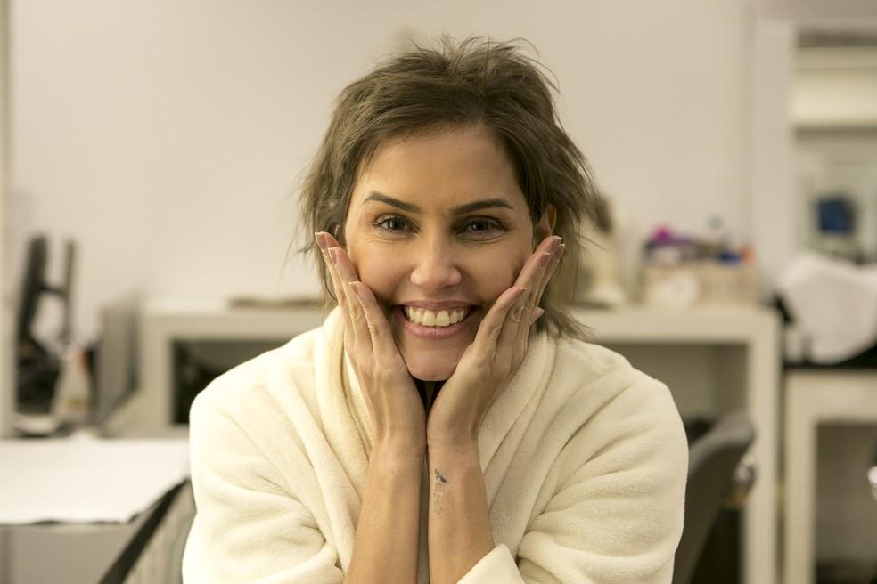 affe793c3 ... Deborah Secco exibe cabelo curto após surto de Karola em 'Segundo Sol'  — Foto