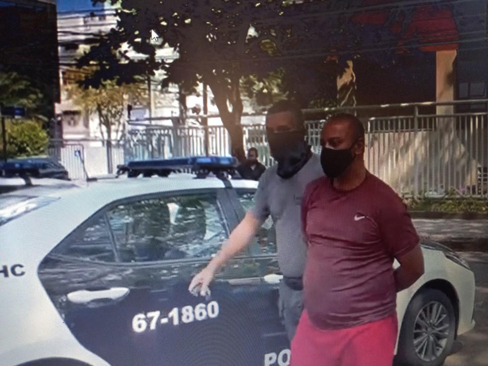 Preso em operação da Polícia Civil para desarticular milícia que atua em São João de Meriti, na Baixada Fluminense — Foto: Divulgação/Polícia Civil
