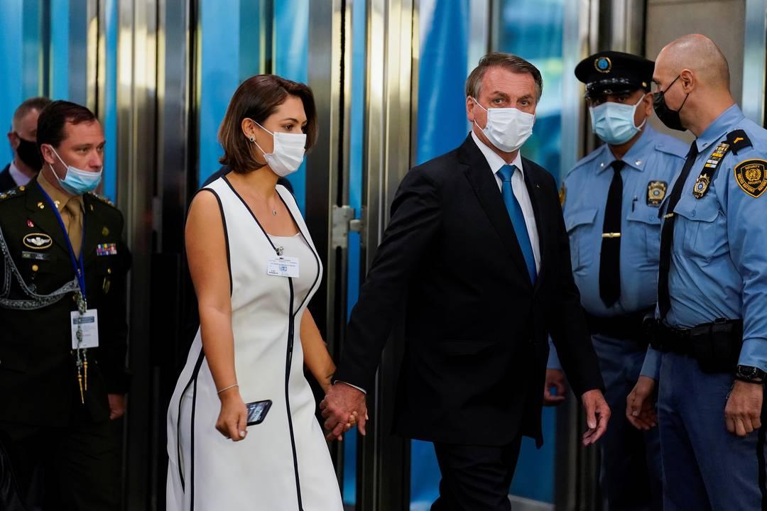 Bolsonaro e a primeira-dama Michelle chegam à sede da ONU em Nova York para a Assembleia Geral