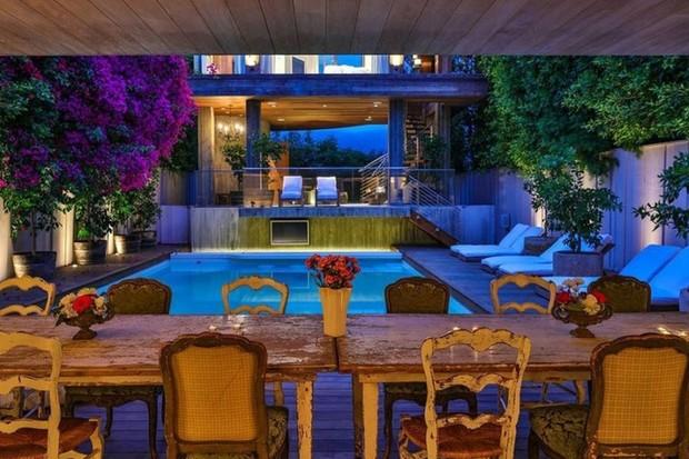 Pamela Anderson quer vender mansão em Malibu por R$ 85 milhões (Foto: Divulgação)