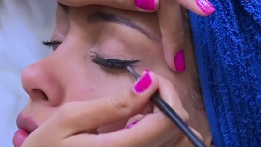 Competidoras do 'Saltibum' revelam segredo da maquiagem  à prova d'água