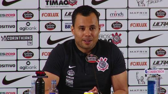 """Jair Ventura faz mistério, mas promete Corinthians """"totalmente diferente"""" contra o Flamengo"""