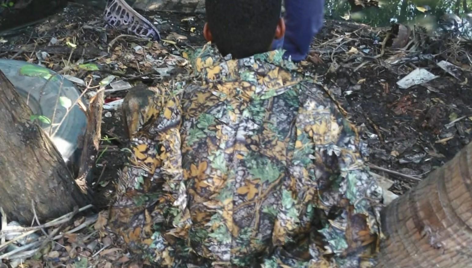 Jovem é preso com roupa camuflada em mangue de Vila Velha, ES