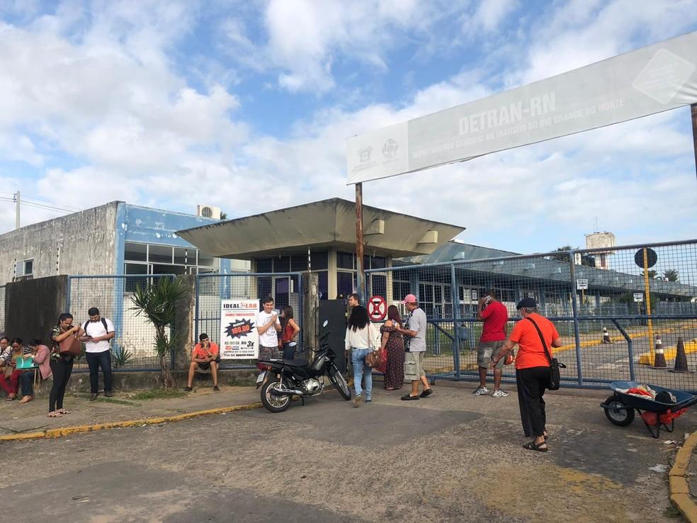 Servidores do Detran paralisam as atividades por dois dias no RN — Foto: Mariana Rocha/Inter TV Cabugi