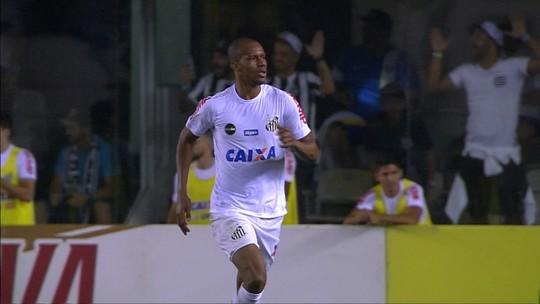 Copete faz dois no Flamengo e se torna o estrangeiro com mais gols pelo Santos