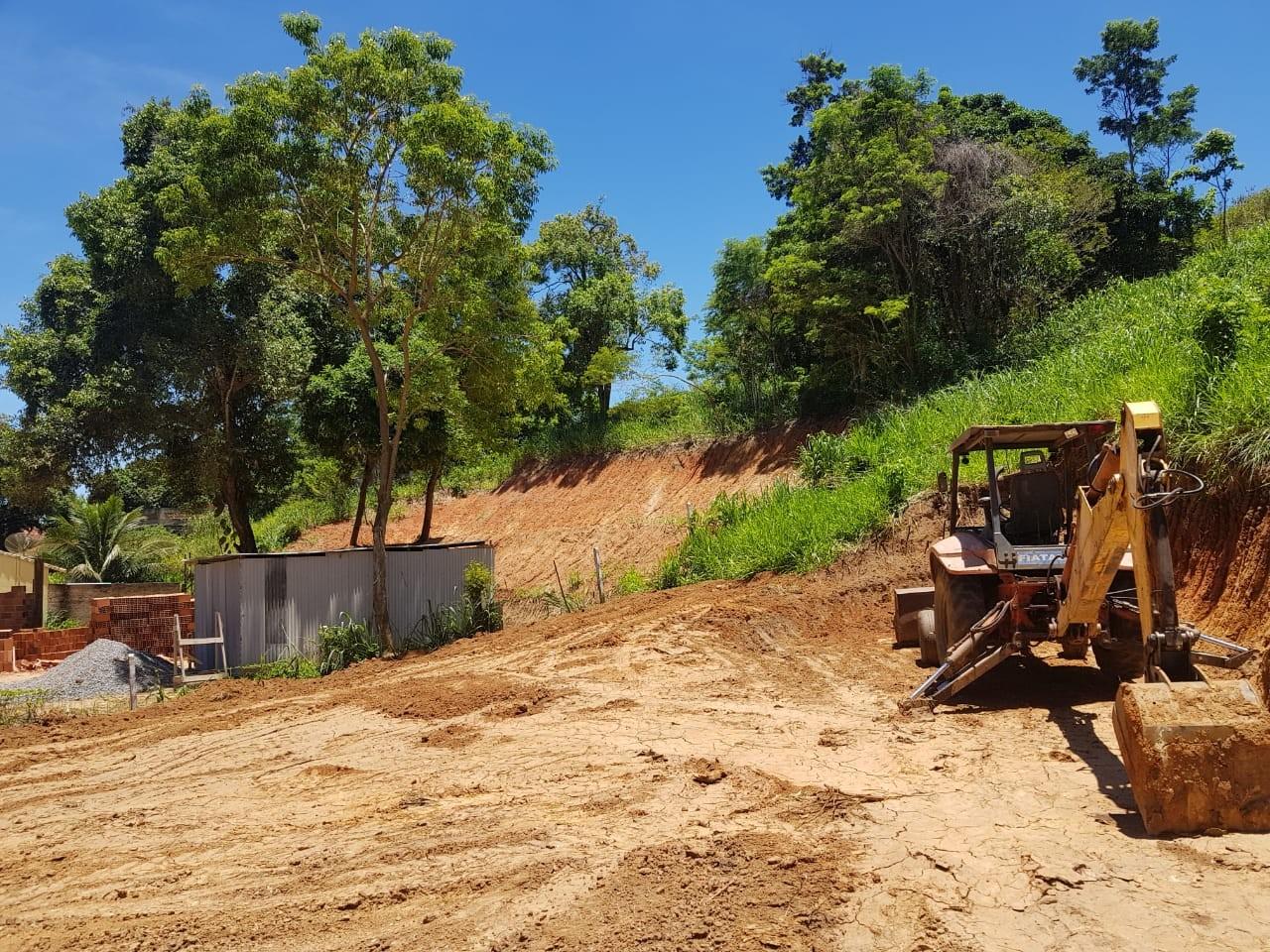 Polícia Ambiental encontra área de desmatamento e extração mineral em Maricá, no RJ