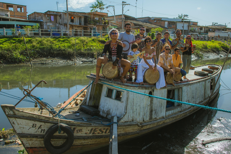 Carimbó Cobra Venenosa e Os Tamuatás do Tucunduba se reúnem em noite que celebra a cultura popular - Notícias - Plantão Diário