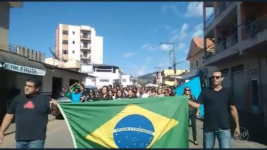 Manifestantes protestam no Sul de Minas contra reforma da Previdência