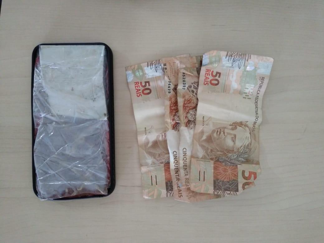 Jovem vende pedaço de cerâmica como celular e acaba preso em Boa Vista