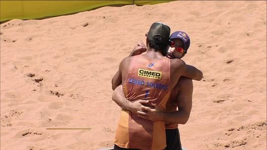 Bruno Schmidt/Pedro Solberg bate Vitor Felipe/Evandro e leva etapa de Campo Grande