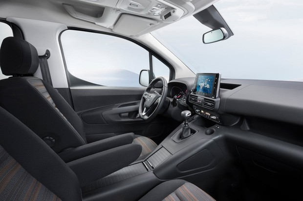 Interior do Combo tem muita tecnologia e parece ser ergonômico (Foto: Divulgação)