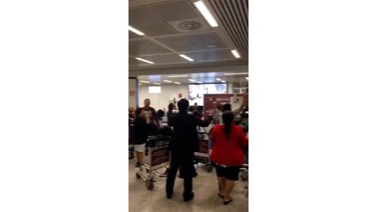 Brasileiros veem fogo em turbina de avião e relatam pânico durante voo de Roma para Lisboa