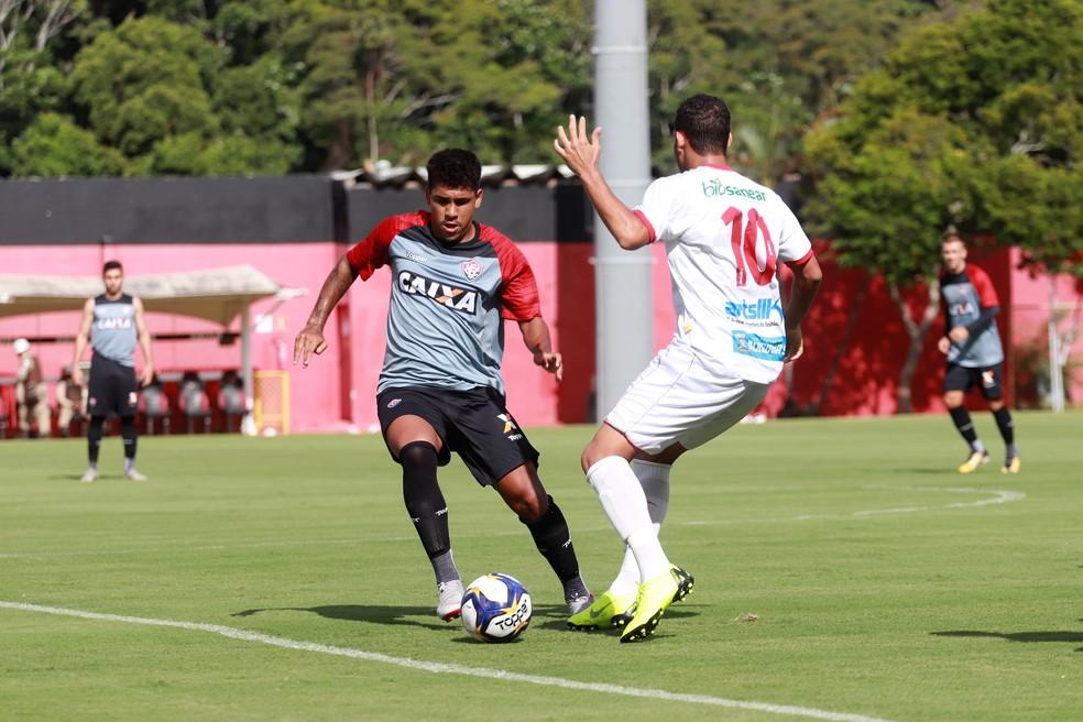 Nickson em jogo-treino entre Vitória e Atlético de Alagoinhas — Foto   Maurícia da 1f5579bc8944a