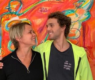 Giulia Gam com o filho, Theo Bial | Arquivo pessoal