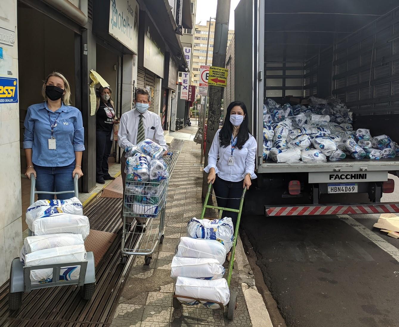 Associações de Uberaba recebem doações de alimentos e itens de higiene