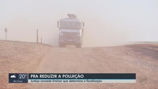 Liminar determina a fiscalização de caminhões que transportam argila em Santa Gertrudes