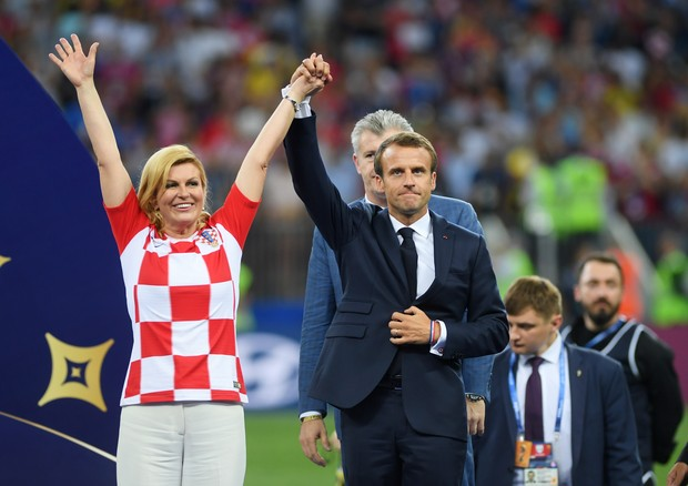 Kolinda e o presidente da França, Macron (Foto: Getty Images)