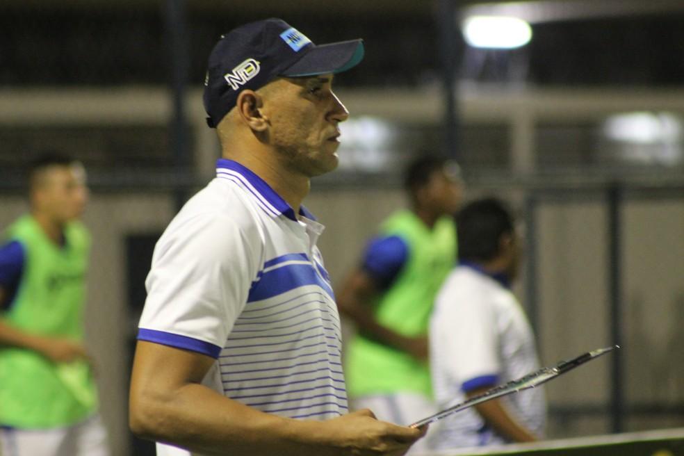 Resolvendo problemas familiares, Beto deve retornar ao Piauí minutos antes da partida contra o River-PI (Foto: Stephanie Pacheco/GloboEsporte.com )