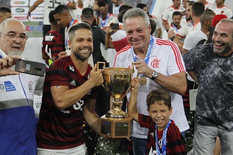 Além do Carioca, Flamengo ganha em variações de jogo e ...