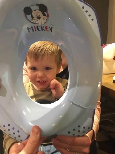 A criança foi liberada com segurança (Foto: Reprodução/ Twitter)