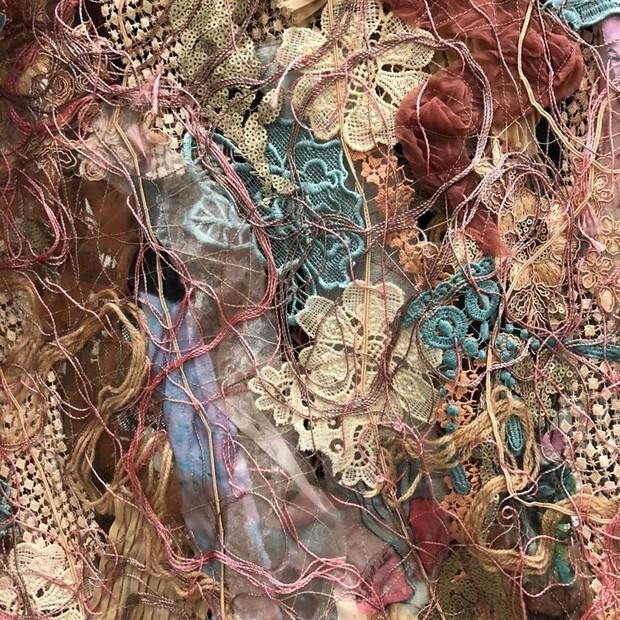 Zoom no tecido desenvolvido por Fabiana Milazzo (Foto: Divulgação)