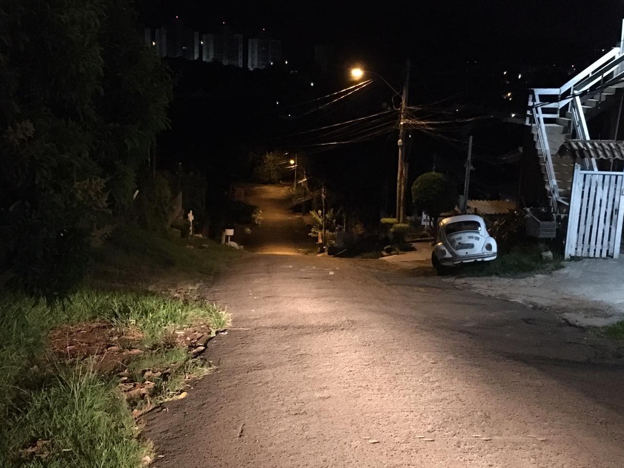 Idoso é encontrado morto a facadas dentro de casa em Porto Alegre