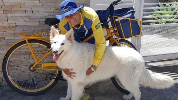 cachorro_carteiro (Foto: Reprodução/ BBC News)