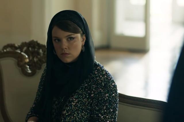 Alice Wegmann é Alice em 'Órfãos da terra' (Foto: Reprodução)
