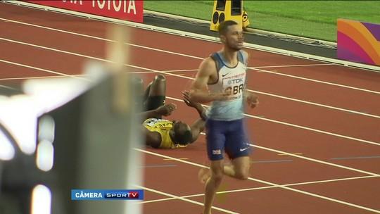 Dor no adeus: Bolt sente cãibras e sai de cena sem cruzar a linha final no 4x100m