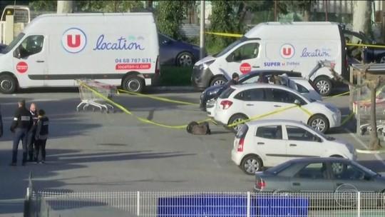 Polícia francesa prende mulher ligada a atirador que matou 3