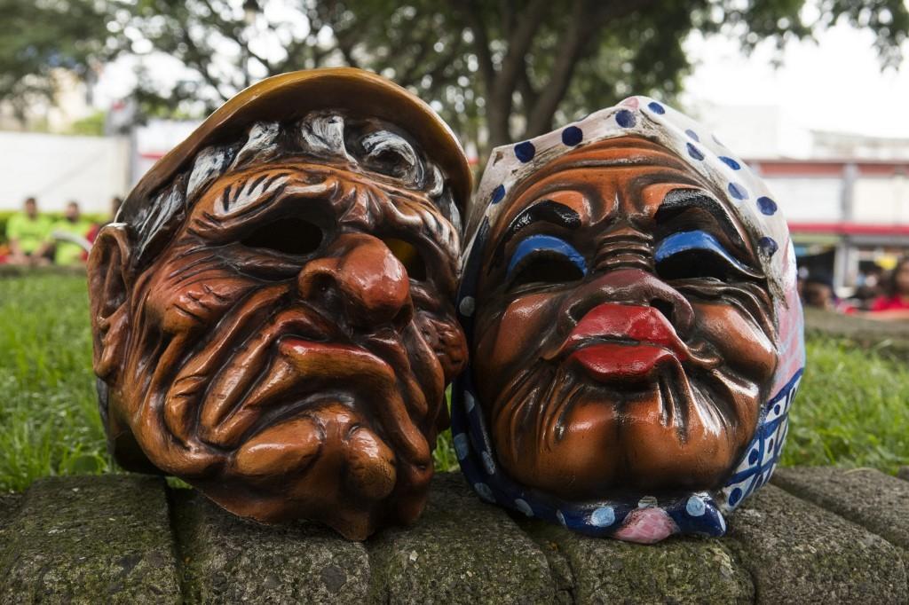 Costa Rica tem primeiro Festival de Máscaras em San José; fotos - Notícias - Plantão Diário