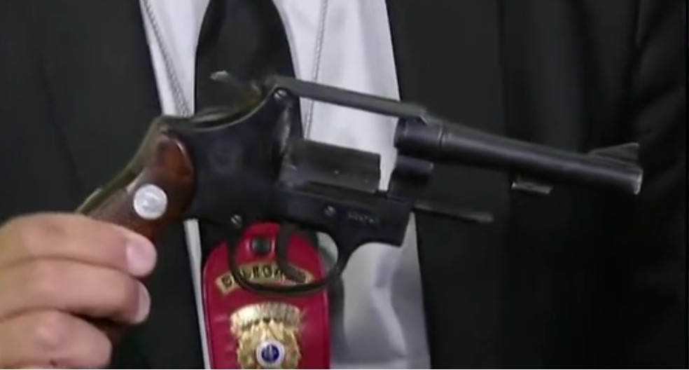 Arma de suspeito de matar menino na virada do ano em São Paulo (Foto: Reprodução/GloboNews)
