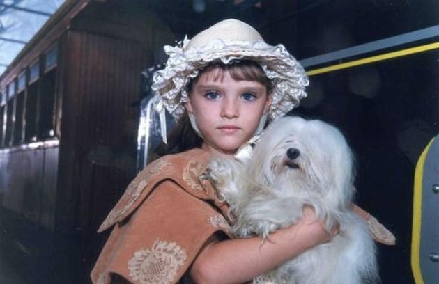 Antes do programa infantil, ela chamou a atenção na minissérie 'Os maias' como filha de Ana Paula Arósio (Foto: Divulgação)