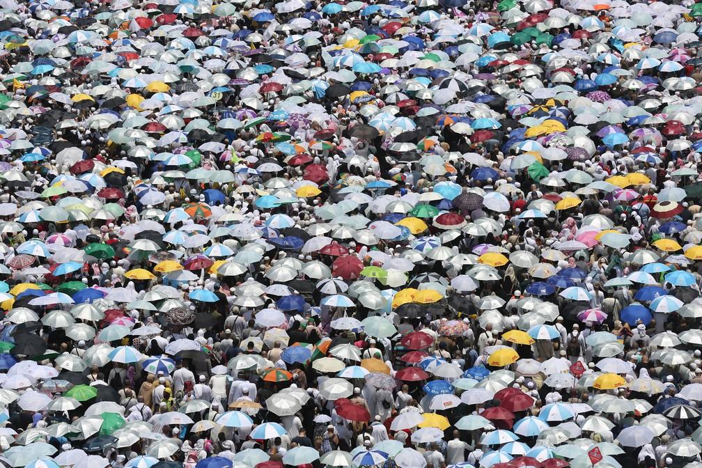 Peregrinos muçulmanos perto de Meca, na Arábia Saudita, em 2019 — Foto: Ahmad Al-Rubaye/AFP