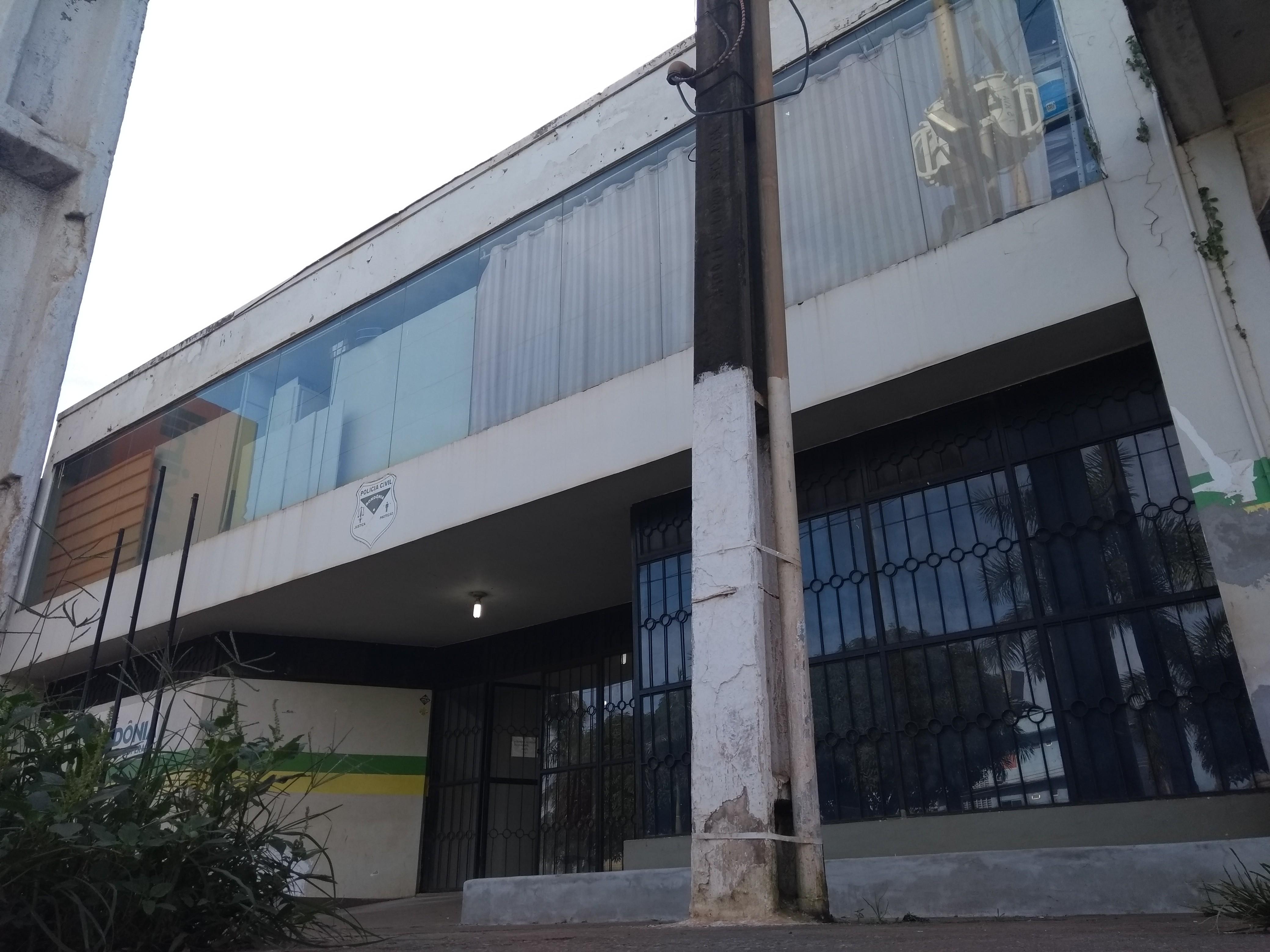 Mãe é presa após confessar ter estuprado a filha de 3 anos em Porto Velho